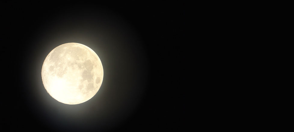 The link between the Full Moon and decluttering